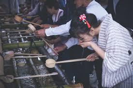 Temizu, el ritual de purificación en los santuarios - Mirando hacia Japón